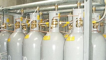 ガス消火システム