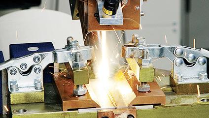 レーザ溶接 高軌跡精度ロボット